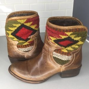 Freebird Cablo ankle brown boots wool blanket SZ 8